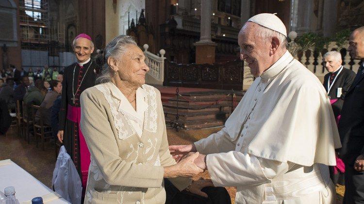 Papa Francesco e anziani - nonni