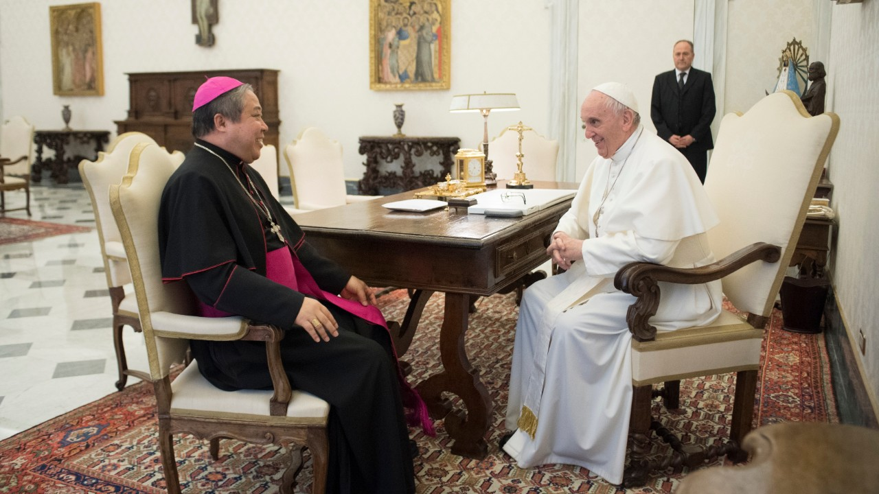 Archbishop Bernadito Auza (L) with Pope Francis in the Vatican.