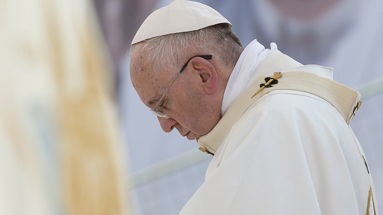 Pope prays for victims of Liberia mudslide