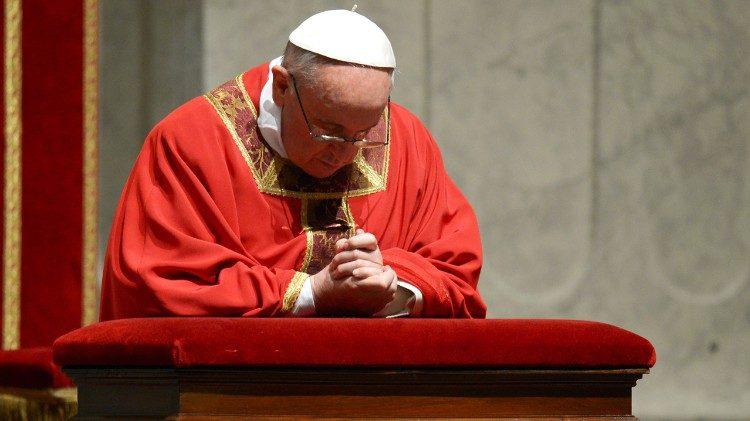 """Papa convida para iniciativa """"24 horas para o Senhor"""""""