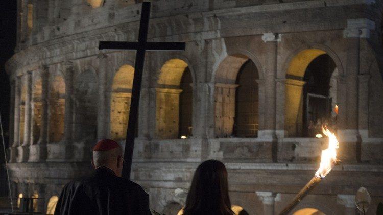 Via Sacra no Coliseu