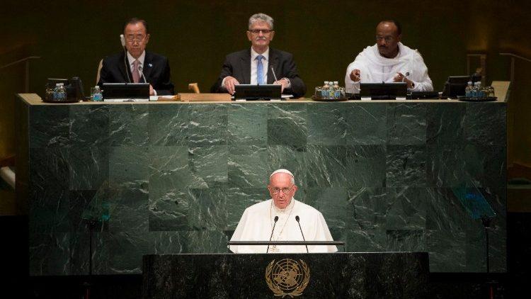 Papež Frančišek med govorom na sedežu OZN