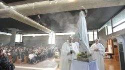 Papstmesse in San Paolo della Croce, im Stadtteil Corviale