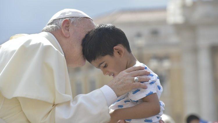 Os mandamentos são diálogo, reitera o Papa