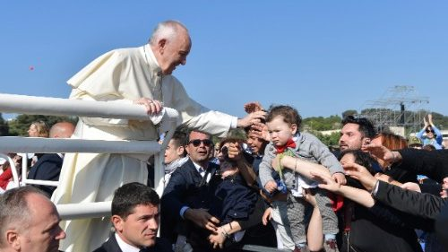 Pope Francis greets the faithful in Alessano (Vatican Media)