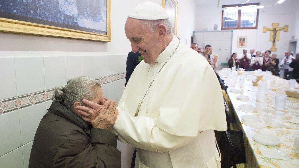 Come Servire La Messa.Papa Francesco Il Segreto Della Gioia E Vivere Per Servire