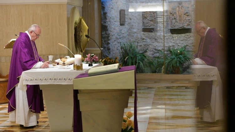 Papa pede coerência no jejum