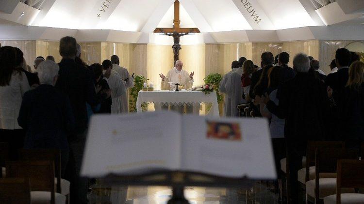 Hoje é a festa do amor de Deus, diz Papa na Solenidade do Sagrado Coração de Jesus