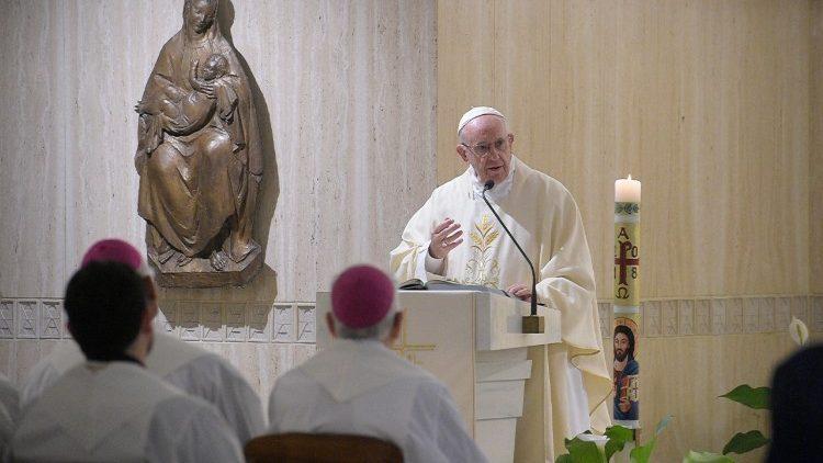 Com o diabo não se dialoga, diz Papa
