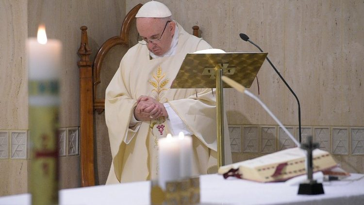 Papa Francesco alla Messa a Casa Santa Marta