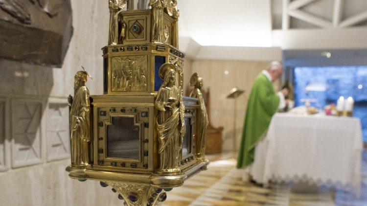 Papa: o matrimônio é uma pregação de todos os dias