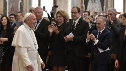 Pope Francis meeting politicians, parliamentarians and bishops of Marseilles provice.