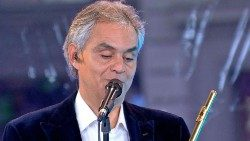 2018.08.15 To support the interview of Andrea Bocelli with Alessandro Gisotti of Vatican News