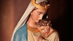 Wooden sculpture of Our Lady with baby Jesus
