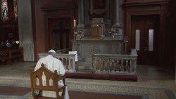 Pope Francis in prayer at the Pro-Cathedral in Dublin. Later on Saturday, Pope met with Irish survivors of abuse by members of the Church.