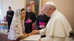 Grace Relucio Princesa, the new ambassador of the Philippines to the Holy See, presenting her credentials to Pope Francis on Sept. 1, 2018.