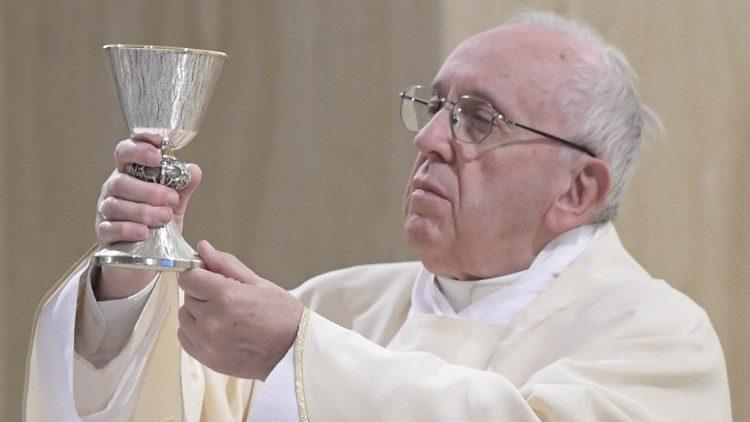papst bei der frhmesse - Papst Franziskus Lebenslauf