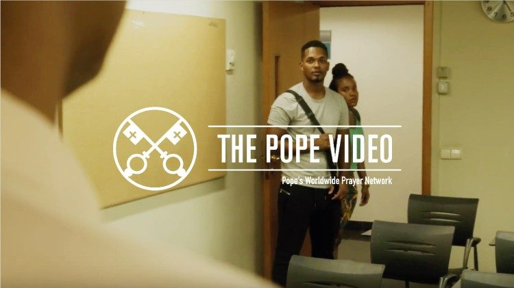 2018.09.04 Official image The Pope video English September