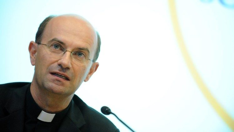 Đức cha Stefano Russo