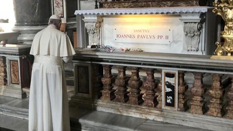 Messe du Pape sur la tombe de Jean-Paul II, fin des retransmissions à Sainte-Marthe Cq5dam.thumbnail.cropped.1500.844
