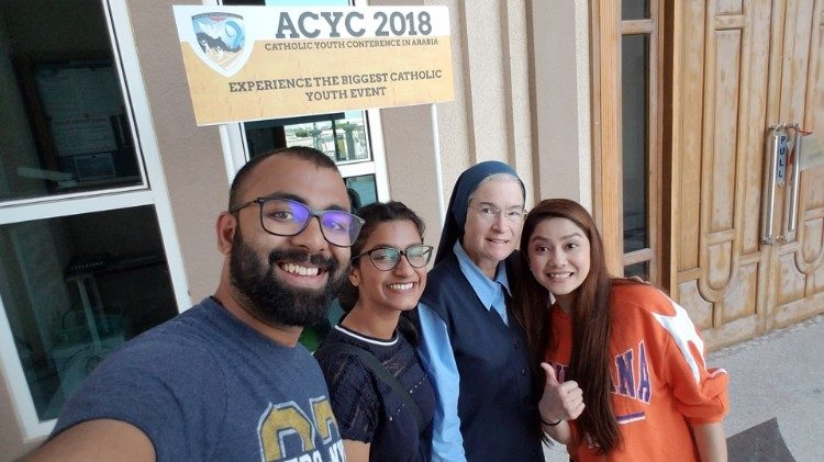 Sr Anne Joan Flanagan, FSP, and other young people participating in ACYC2018