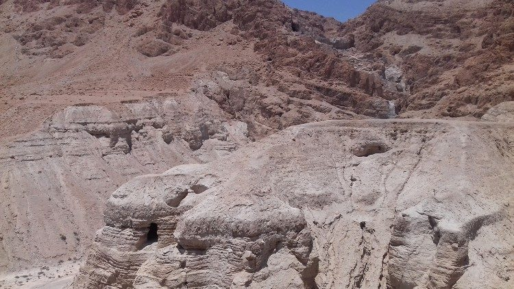 Grutas de Qumran, nas proximidades do Mar Morto