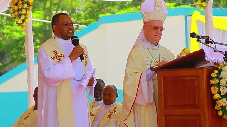 Bishop Eusebius Alfred Nzigilwa (on the left)