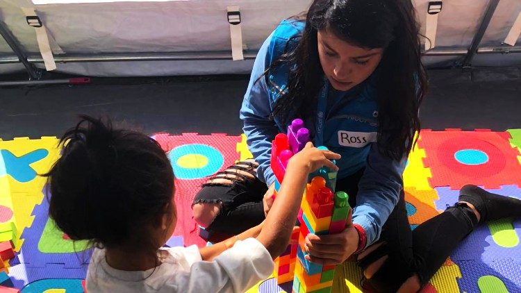 "UNICEF creates ""Child Friendly Spaces"" in Martinez Stadium in Mexico City. (UNICEF / Rocío Nuñez)"