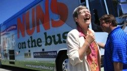 "Sr Simone Campbell som leder projektet ""Nuns on the Bus"""
