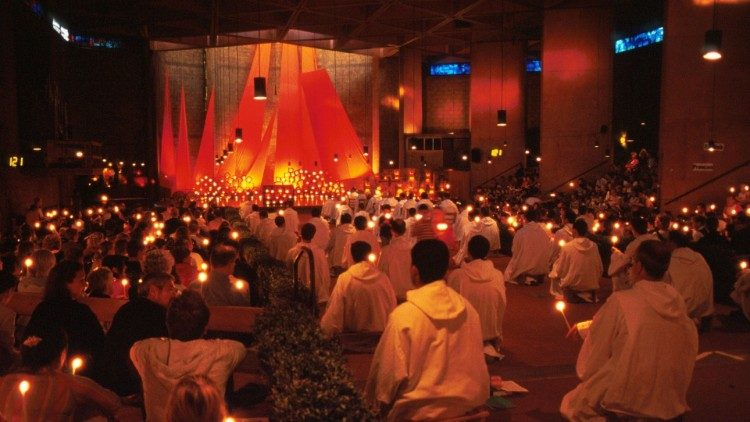 2018.12.28 Taize Commune - Madrid Prayer meet.