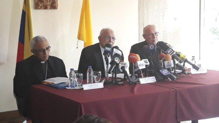 Cardenal Baltazar Porras, Mons. Raúl Biord y Mons. Freddy Jesús Fuenmayor Suárez