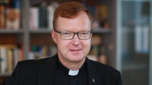 Abuso, Zollner: buenas noticias desde Varsovia, pero queda mucho por hacer