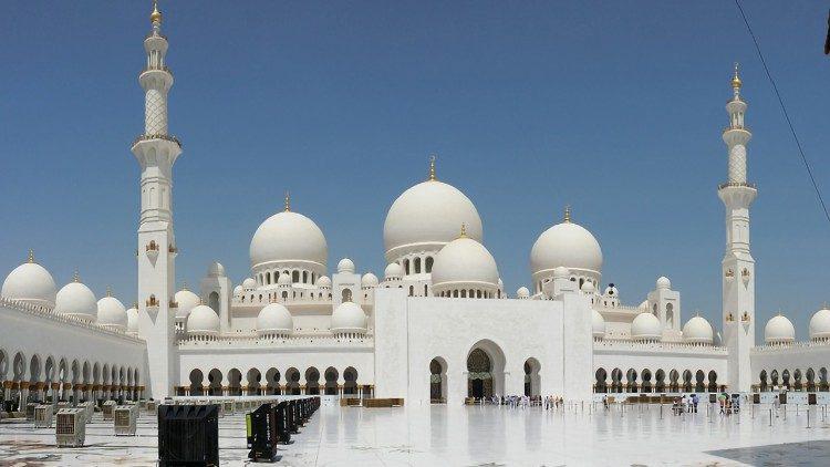 Dialog z islamem w sercu podróży do Emiratów