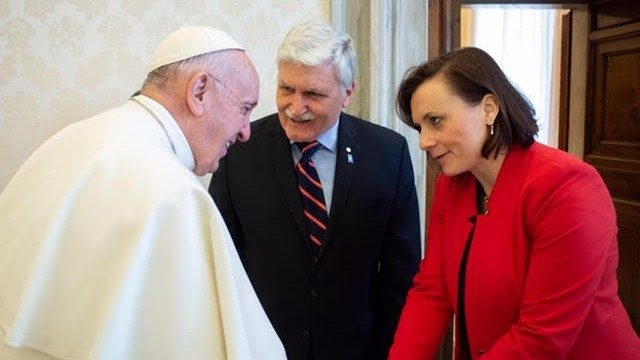 Pope Francis receives in audience General Roméo Dallaire and Dr Shelly Whitman