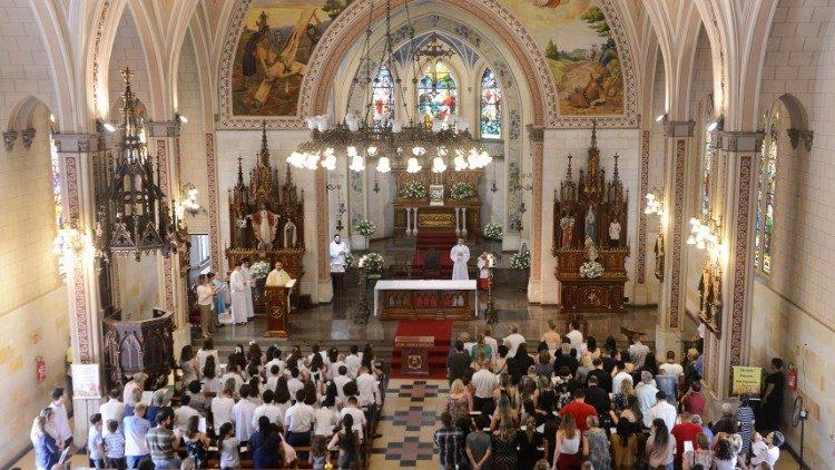 2019.02.19 Parrochia San Pietro a Porto Alegre in Brasile compie 100 anni_2019
