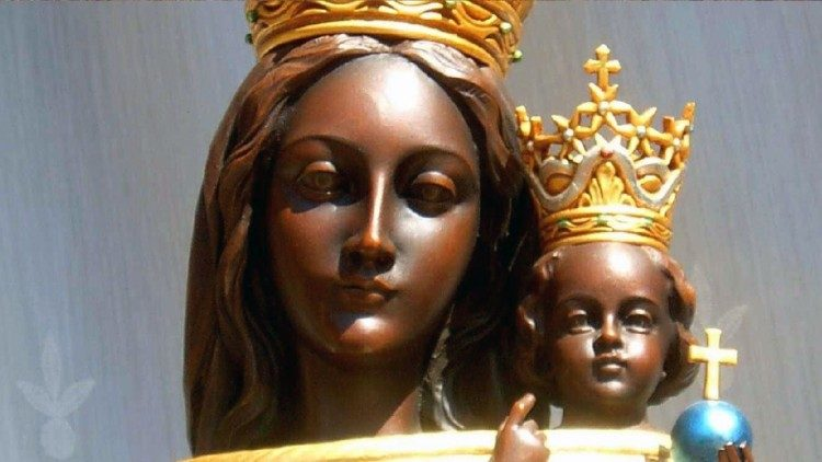 The close up of Mother of Loreto with the Son