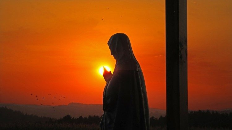 Agora, nesta manhã de sábado, a saudade está presente, mas uma saudade cheia de paz e de esperança.