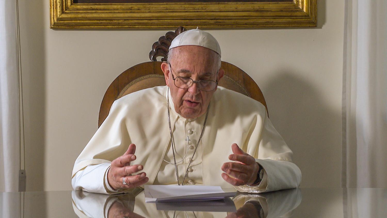 Papa a peregrinos de Lourdes: Dios quiere pasar por nosotros para salvar al mundo - Vatican News