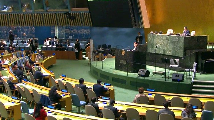 The UN commemorates  victims of Sri Lanka's Easter Sunday terrorist attacks.