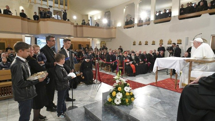 Father Goce Kostov and his family address Pope Francis during the meeting with  priests and  religious  in Skopje on the last day of his apostolic visit to Bulgaria and North Macedonia