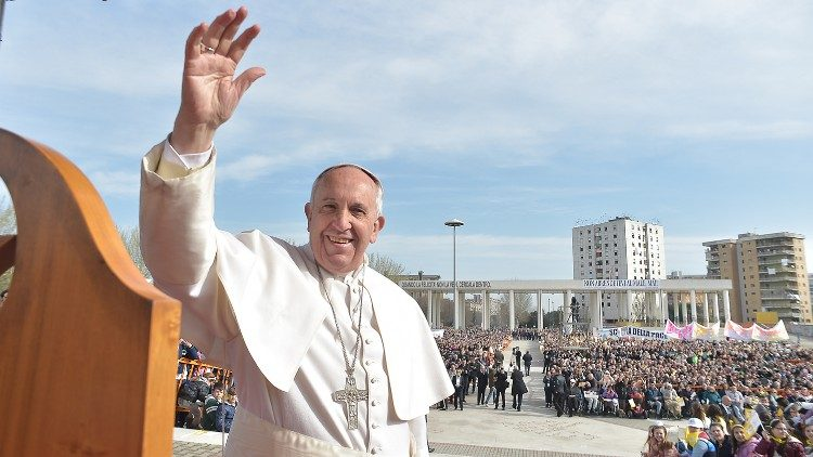Pope Francis in Napoli for a talk on the current issue of Migration