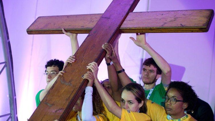 Thánh Giá Ngày  Giới trẻ Thế giới