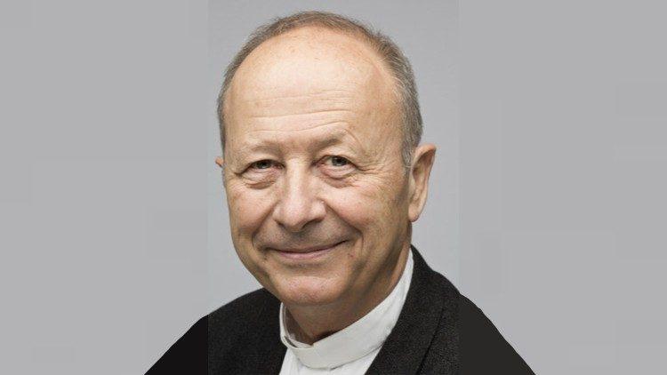 Papa Francisco Michel Dubost  diócesis Lyon
