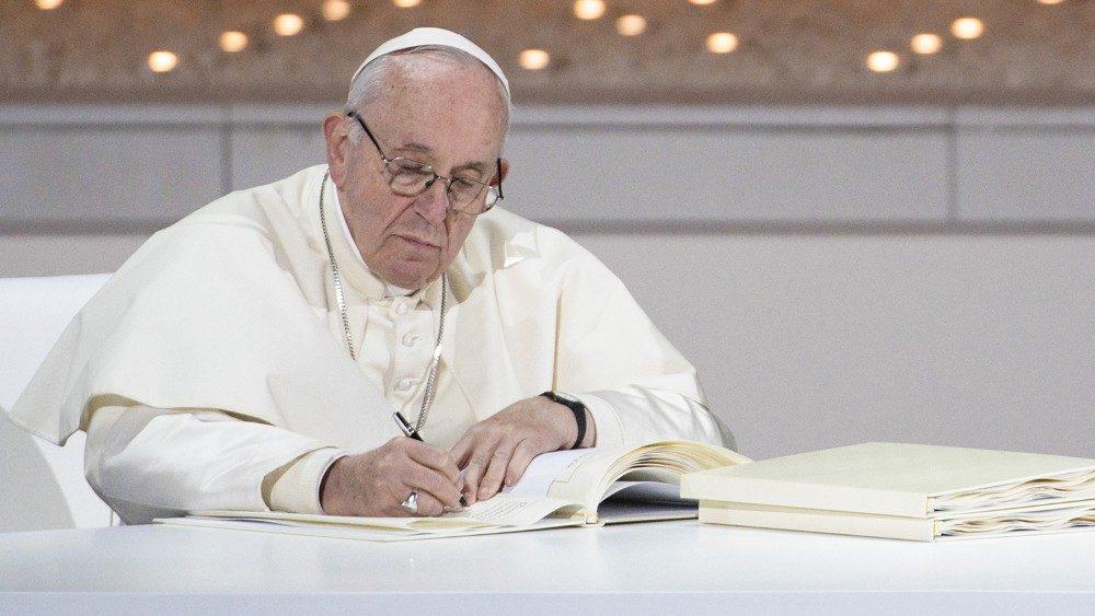 El Papa Anima La Difusión Del Documento Sobre La Fraternidad