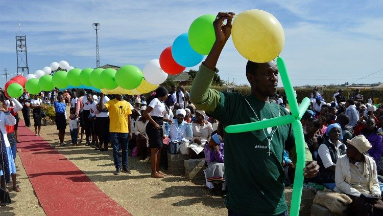 Archdiocese of Bulawayo (Zimbabwe) youth launch Missionary Rosary into the air to mark 140 years of Christianity