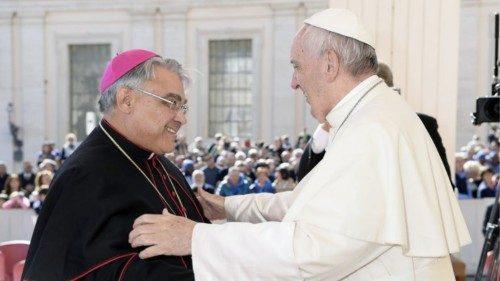 Dom Semeraro: confiei a Carlo Acutis meu compromisso na Igreja