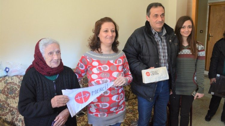 O agrdecimento de família cristã síria