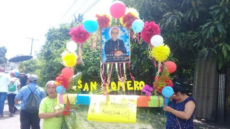 Caminata por el aniversario del nacimiento de monseñor Romero 2019