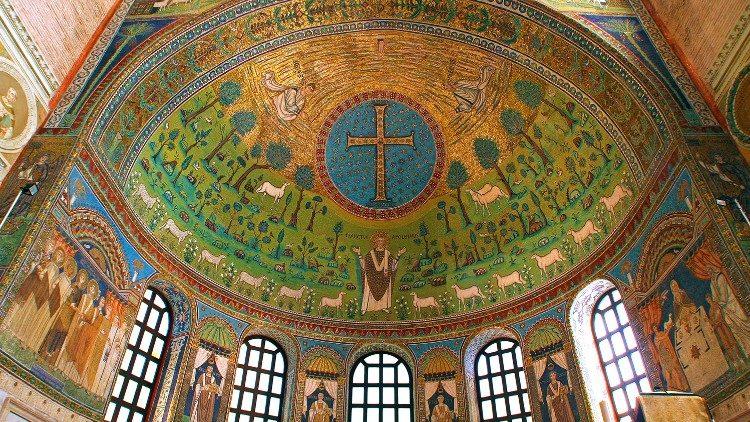 Mosaïque de l'abside de la Basilique Saint-Apollinaire à Ravenne