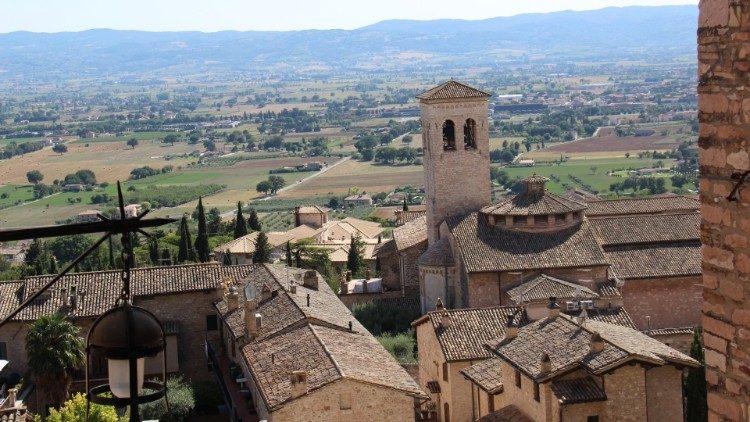 Assise, la ville de saint François en Ombrie, au centre de l'Italie.